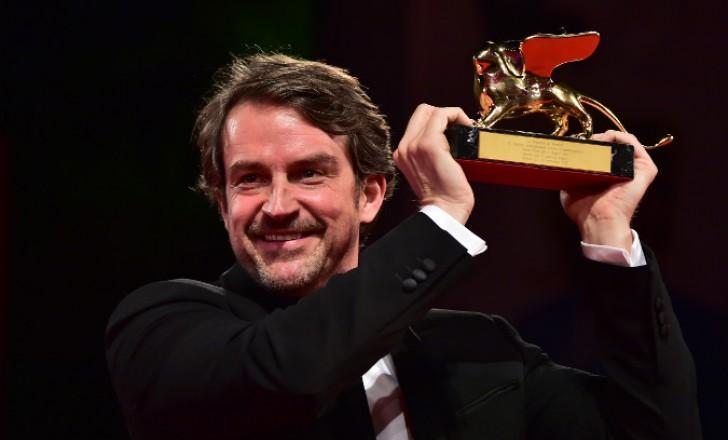 Na 72. beneškem festivalu je zlatega leva prejel film Desde alla