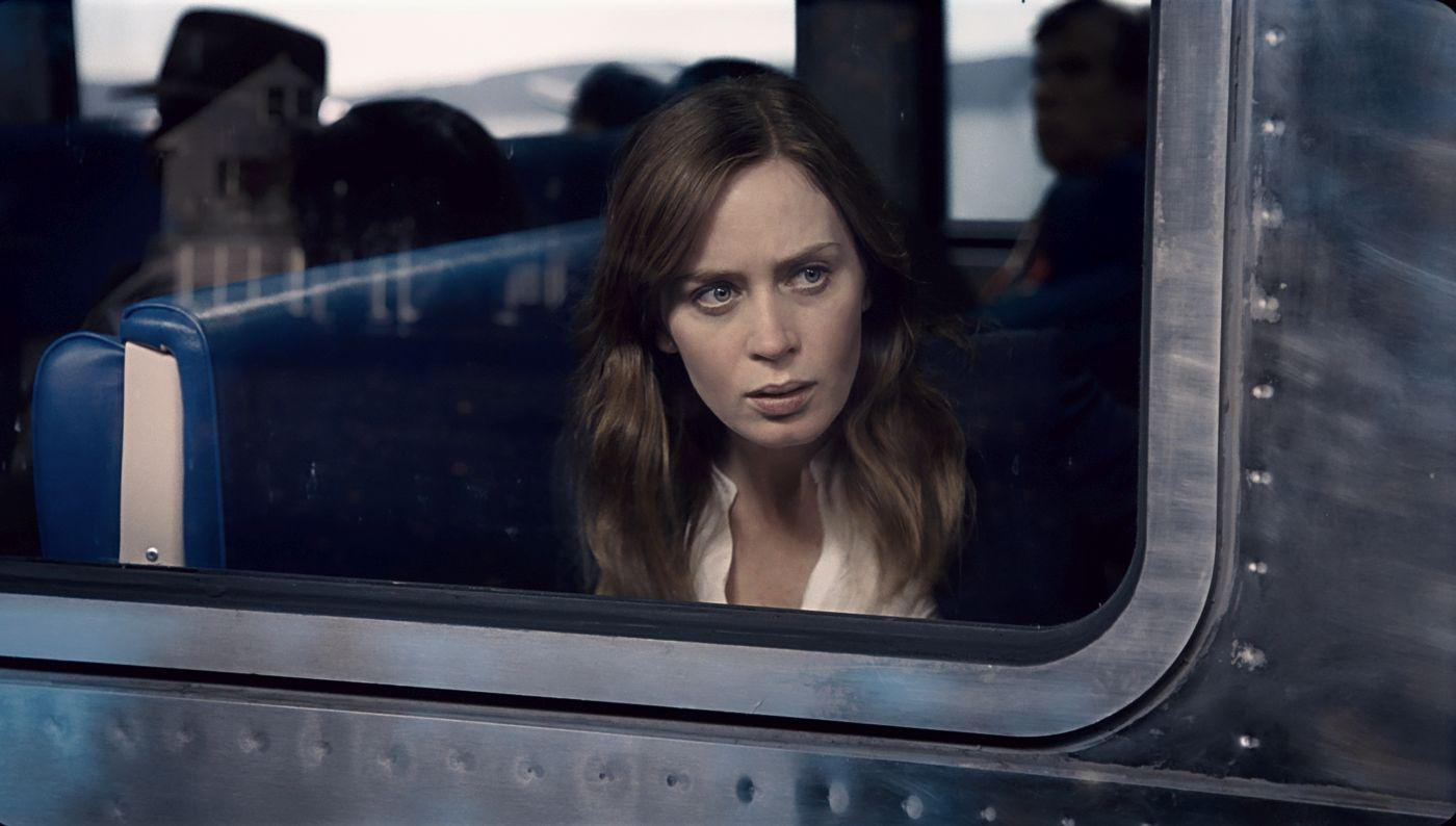94-dekle-na-vlaku