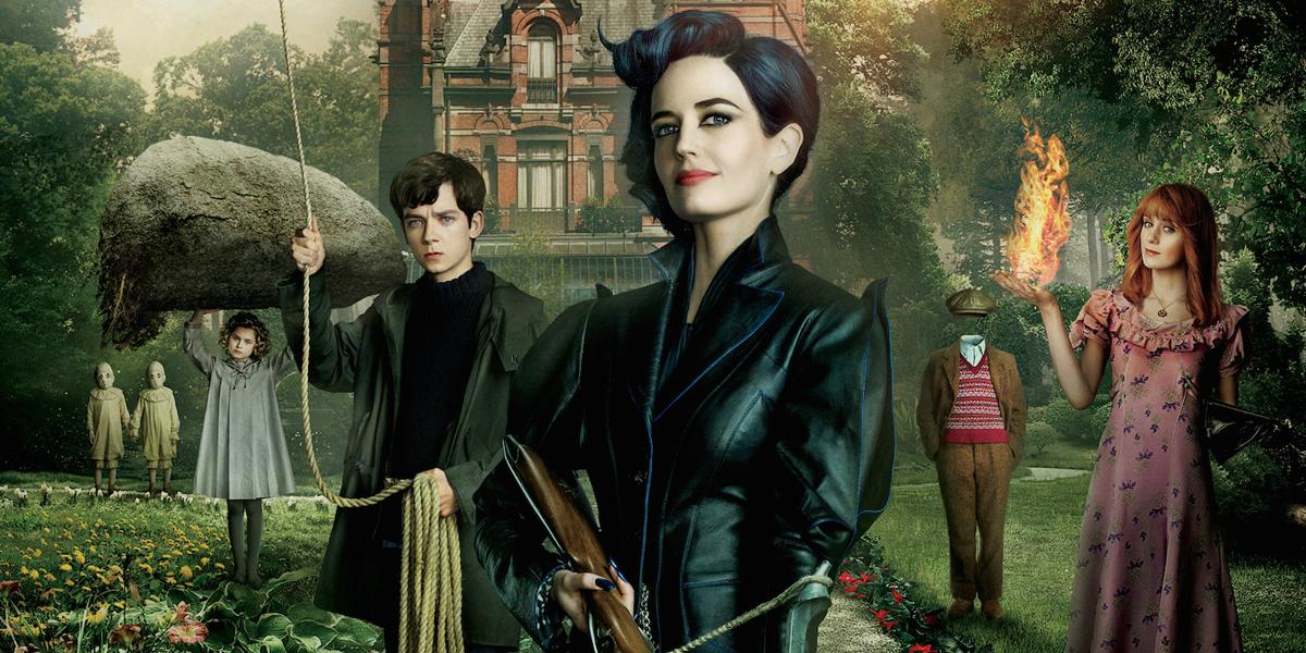 Primerjalna recenzija: Dom gospodične Peregrine za nenavadne otroke – knjiga vs. film