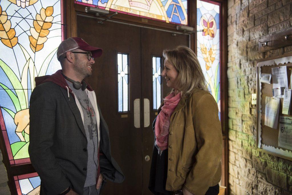 Mimi Leder in Damon Lindelof na snemanju.